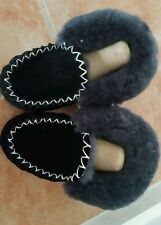 100% THICK AUSTRALIAN SHEEPSKIN MOCCASINS WOMEN'S SIZE 5  black/ slippers  shoes