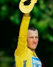Lance Armstrong Salutes Fans with Cap 10x8 Photo