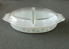 Pyrex 1 1/2 Qt Turquoise Snowflake Divided Casserole Baking Dish W/Divided Lid