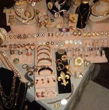 Vintage-Now COSTUME JEWELRY LOT Gold Tone JOMAZ,CELEBRITY,GOLDETT,CORO,JUICY