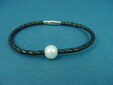 black knotted leather ladies bracelet with pearl and magnetic s.steel clasp 699