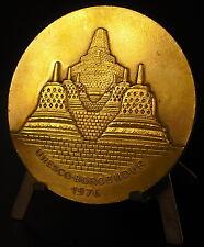 Médaille UNESCO 1976 Temple bouddhiste de Candi Borobudur les stûpas 59 mm medal