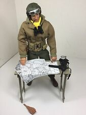 1/6 21ST CENTURY US 4TH ARMORED DIV TANK COMMANDER+TABLE&MAPS WW2 DRAGON BBI DID