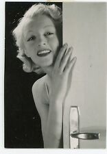 PHOTO -  PIN-UP blonde souriante  -  1930