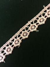 (10mm) Wide Pretty Floral Venise Guipure Lace/Trim x 1metre