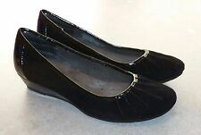 SOFFT *EMME* BLACK SUEDE & PATENT LEATHER LOW-WEDGE PUMPS - LADIES 7M