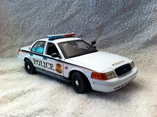 US SECRET SERVICE 1/18 SCALE  DIECAST MODEL POLICE CAR WITH WORKING LIGHTS/SIREN