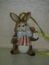 +# A016582_15 Goebel Archiv Muster Ostern Ornament Hase mit Blume 66-907