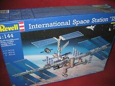 Revell ® 04841 1:144 international space station ISS nouveau OVP