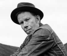 Tom Waits UNSIGNED photo - E306 - American singer-songwriter, composer and actor