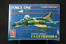 XG090 AMT 1/144 maquette avion 8849 Force One McDonnell Douglas F4E/F Phantom II