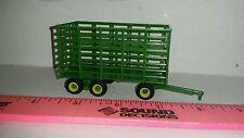 1/64 ertl farm toy green Plastic standi hay bale throw wagon tandem rear axle