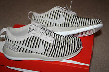 New Womens NIKE ROSHE TWO FLYKNIT running athletic casual shoes 8 EUR 39 NIB
