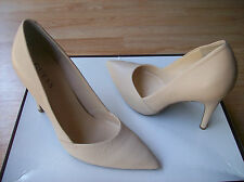 Guess Lavonna Pumps Shoes Pointy Toe Heels Light Natural Leather sz 9 NIB