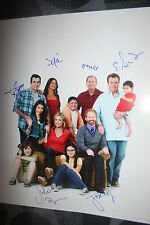 MODERN FAMILY CAST SIGNED 16x20 PHOTO ED O'NEILL SOFIA VERGARA +6 DC/COA (RARE)