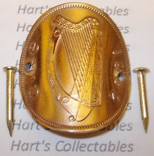A GENUINE EIRE / IRELAND PENNY WALKING STICK BADGE / MOUNT - GUINNESS IRISH HARP