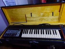 ROLAND SH-2000 vintage synthesizer keyboard sh2000