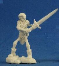 Reaper Bones 77238 Skeleton Guardian 2H Sword (3)
