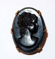 VINTAGE BLACK GLASS CAMEO BRASS FANCY PRONG SETTING SMALL OVAL BROOCH PIN