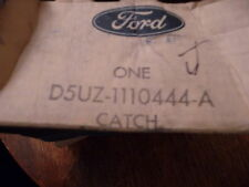 NOS 1975 - 1991 FORD ECONOLINE CLUB WAGON ENGINE TUNNEL COVER CATCH ASSEMBLY NEW