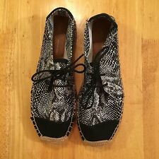 espadrilles Gap woman shoes size 9 black white snake lace up