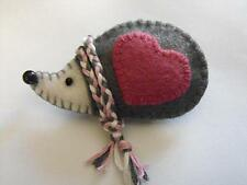handmade Felt Brooch,Keyring,Magnet,HairClip or HangingDecoration Christmas Gift