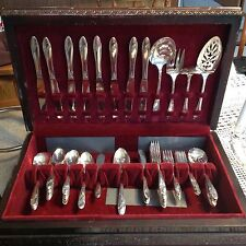 Queen Bess Silverplate Oneida Tudor Flatware 70 Pc with Wood Chest 1946