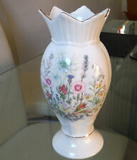 PRETTY AYNSLEY CHEVRONED RIM BONE CHINA VASE - WILD TUDOR PATTERN