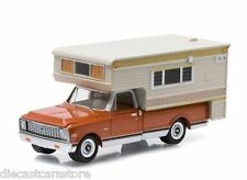 1971 CHEVROLET C10 CHEYENNE & LARGE CAMPER HOBBY EXCLUSIVE 1/64 GREENLIGHT 29838