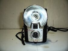 VINTAGE 1960'S  EASTMAN KODAK BROWNIE STARFLASH CAMERA DAKON LENS