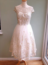DRESS SIZE 8 TULLE & NET EMBORDIERED LACE BY CHI CHI LINED CREAM & GOLD BNWT