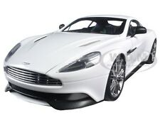 ASTON MARTIN VANQUISH GLOSSY WHITE 1/18 MODEL CAR BY AUTOART 70250