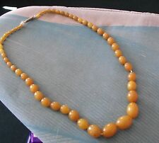 Superbe art deco egg yolk butterscotch amber bead necklace 39 grammes