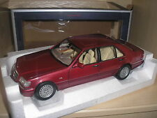 Mercedes Benz S500 1997 rot metallic in 1:18 von Norev