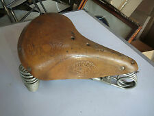 selle de velo ancien en cuir lamplugh paris croupon Old bike Cycle Saddle
