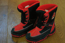 BN M&S BOYS WARM ANGRY BIRDS SNOW BOOTS FOR WINTER SZ 12 WATERPROOF