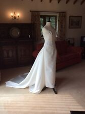 BENJAMIN ROBERTS    3 PIECE WEDDING DRESS.  SIZE 8.   EXQUISITE DETAIL. STUNNING
