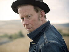 Tom Waits UNSIGNED photo - E305 - American singer-songwriter, composer and actor