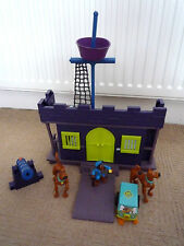 SCOOBY DOO PIRATE FORT PLAYSET WITH FIGURES & VEHICLE