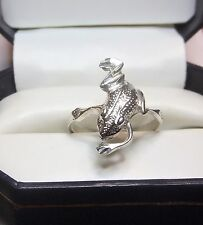 Unique design  .925 Sterling Silver Frog Ring .. Several Size's .. #R10