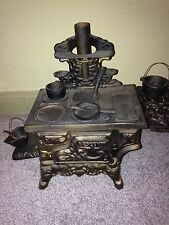 ANTIQUE CAST IRON CRESCENT TOY SALESMAN SAMPLE STOVE DOLL HOUSE KITCHEN Vtg +