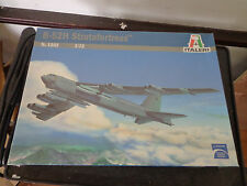ITALERI 1:72 NO.1262 B-52H STRATOFORTRESS PLASTIC KIT  NEW Sealed