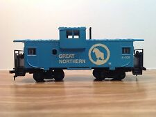"HO Scale ""Great Northern"" X-106 Freight Train Caboose Car"