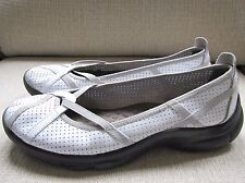 WOMEN'S PRIVO by CLARKS SLIP ON WHITE LEATHER COMFORT BALLET FLATS SHOES SZ 8M