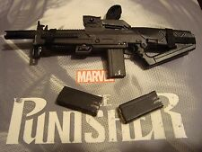 SIDESHOW 1/6 THE PUNISHER ---- RIFLE W/ CLIPS  ----- US SELLER ------