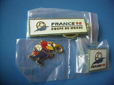 Football. Coupe du Monde 1998. Lot porte clé pin's pendentif
