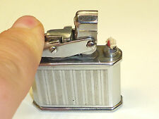 LUX´TRIK BRIQUET - POCKET LIGHTER - FEUERZEUG - BREVETE S.G.D.G. - 1930 - FRANCE