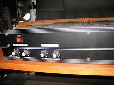 Crate SPA 200 Stereo Power Amp. Mono 200 watts @ 8ohms , Stereo 100 W a Channel