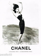 PUBLICITE ADVERTISING 065  1995  CHANEL  haute couture  en noir & blanc