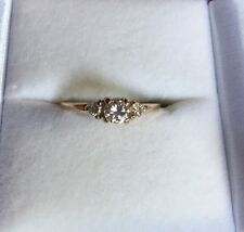 Beautiful Yellow Gold Round Cut Three Stone Diamond Engagment Ring